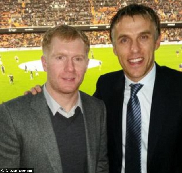 Phil Neville replace Cathro at Valencia